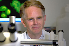 Groundbreaking UC Irvine researcher honored for advances in mitochondrial medicine